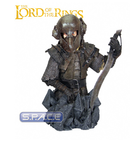 Frodo Baggins in Orc Armor Bust (Lord of the Rings)