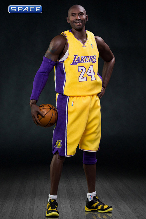 1 6 scale kobe bryant real masterpiece nba collection s p a c e space. Black Bedroom Furniture Sets. Home Design Ideas
