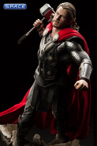 Thor Premium Format Figure (Thor: The Dark World)