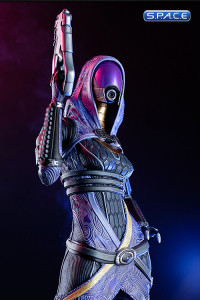 1/4 Scale Tali Zorah vas Normandy Statue (Mass Effect 3)