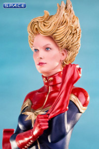 1/10 Scale Captain Marvel Statue (Marvel)