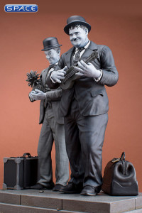 Stan Laurel & Oliver Hardy Old & Rare Statue (Honolulu Baby)