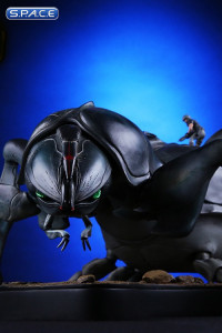 Tanker Bug Statue (Starship Troopers)