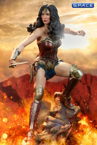 Wonder Woman Premium Format Figure (Batman v Superman: Dawn of Justice)