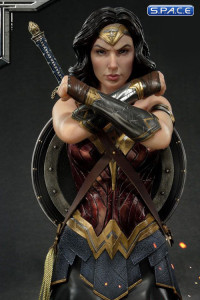 1/3 Scale Wonder Woman Premium Bust (Justice League)