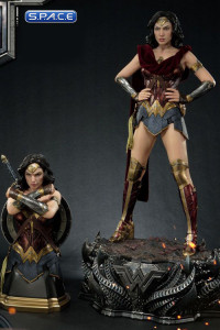 1/3 Scale Wonder Woman Ultimate Edition Museum Masterline Statue (Justice League)