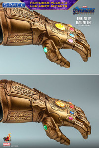 1/4 Scale Infinity Gauntlet Replica (Avengers: Endgame)