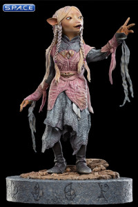 Brea the Gelfling Statue (The Dark Crystal: Age of Resistance)