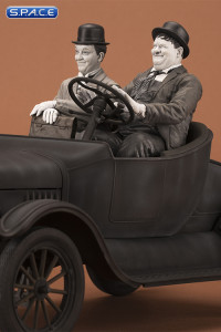 Laurel & Hardy on Ford Model T - Cars Legacy Collection Statue
