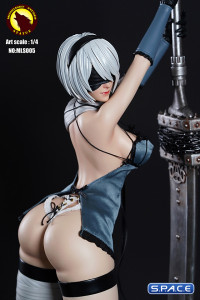 Gynoid Statue