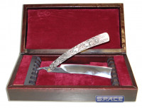 Razor Prop Replica in Wood Box (Sweeney Todd)