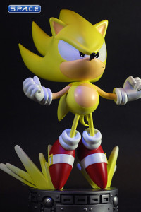Super Sonic Statue (Sonic the Hedgehog)