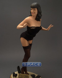 1/4 Scale Bettie Page - Queen of Pin-Ups Statue