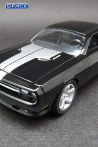 1:64 Scale 2009 Dodge Challenger (NCIS: Los Angeles)