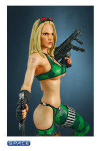 Alien Marine Girl Statue (Heavy Metal)